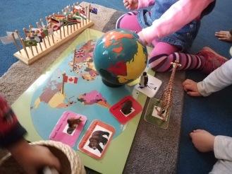 Fluppet's Montessori - UW continent globe and puzzle
